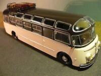 1/43 Ixo Isobloc 648 DP Reisebus mit Gepäck Bus 2 SONDERPREIS 12,90 STATT 39,90
