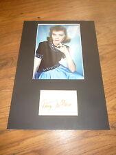 Dorothy McGuire (+ 2001) signed autographe sur 20x30 CM passe-partout Look