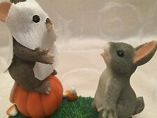Charming Tails Mouse Bunny Rabbit Boooo! Halloween Figurine Pumpkin Candy Corn
