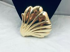 Modern Shiny Gold Tone Battery Operated Light Up Seashell Compact