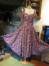 VINTAGE LAURA ASHLEY 1980s DRESS . IMMACULATE. VERY 1950s STYLE. 10.