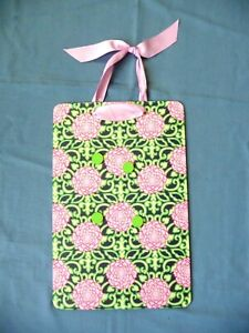 Lilly Pulitzer Magnetic Memo Board Picture Holder Pink Florals on Kelly Green