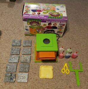 Creepy Crawlers Workshop Oven Bug Magic Maker Toy 1993 10 Molds TESTED Box