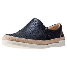 Sandali e scarpe nere Caprice per il mare da donna