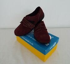 DB shoes Easy B - Women's Shoes - UK size 7 - Red Suede - New in box