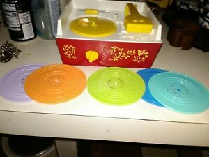 Vintage 1971 Fisher Price Music Box Record Player #995 w/five Records Works