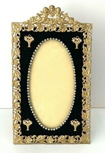 """ANTIQUE PICTURE FRAME WITH BEAUTIFUL ORNATE BORDER 5"""" X 9 """"PRONG SET STONES"""