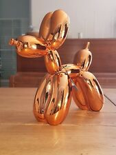 Dog Balloon gold orange, statue en résine. Jeff Koons (after)