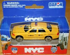 New York City Ford Crown Victoria Medallion Taxi Cab 1:64 Scale New Diecast