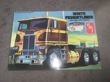 Amt, 1:25 scale, White Freightliner Dual Drive Truck Tractor, Model Kit #Amt-620