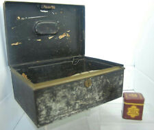 "11"" VINTAGE METAL CASH BOX & 2"" JOHN MIDDLETON'S CLUB MIXTURE TOBACCO TIN"