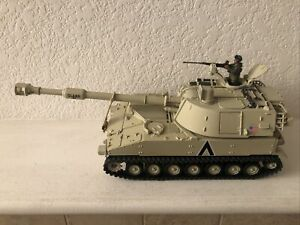 Unimax Toys Forces of Valor US Army M109A6 Paladin Mobile Howitzer 1:32 Die-cast