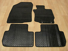 Mitsubishi Outlander Auto (2013-on) Fully Tailored RUBBER Car Mats in Black.