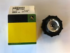 JOHN DEERE ORIGINAL EQUIPMENT GAS CAP (AM117525)