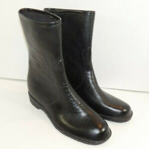 WOMANS Rubber Rain Boots Size 9 Black Pull On Perfect