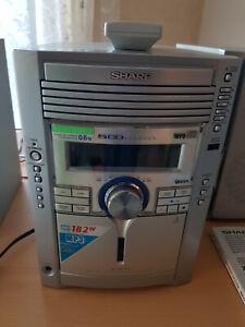SHARP Stereoanlage Modell XL-MP110 mit 2 Lautsprecher, Fernbedienung, 5 CDs