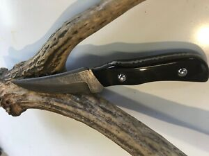 Fixed blade damascus forged steel hunting knife buffalo horn handle