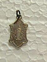 Ancienne médaille Notre dame de Lourdes, Souvenir 2,2 cm x 1,2 cm