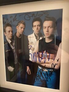 THE CLASH , SIGNED 10x8 Inch PHOTO  100% AUTHENTIC