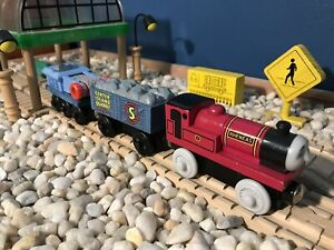Learning Thomas Wooden Railway 2003 Rheneas & The Rock Crusher Cars VGUC