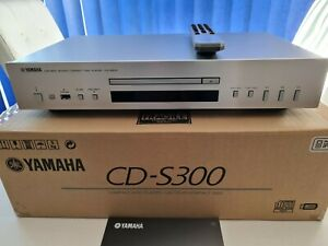 Yamaha CD-S300 Hi-Fi CD Player - Silber
