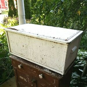 Rustic Old Wood/Wicker Toy Chest Trunk ~ 30.5 x 15.5 x 13 ~ Painted White