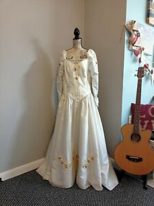Vintage wedding dress size 14