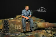 (Pre-Order) German Tank Crew at rest WWII 1:35 Pro Built Model #3