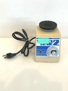 VWR Scientific Industries Vortex Genie 2 Vortexer G-560 Flat Top w/ Warranty