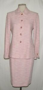 St John Collection Light Pink Tweed w/Fringe Trim Button Jacket & Skirt Suit 4/6