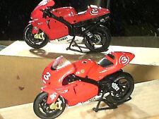 MOTO MINIATURE YAMAHA M1 GP MAX BIAGGI  2001 IXO 1/24