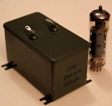 UN CONDENSATEUR  A BAIN D' HUILE EN CUVE METAL 20 µF - 630 V - 5%