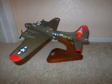 WWII BOEING B-17 FLYING FORTRESS AIRPLANE MODEL DESK DISPLAY W/ STAND SCALE 1/72