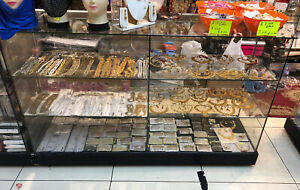 Used Shop Display Counter For Jewellery Mobile Vapes Cosmetic Clothing Accessory