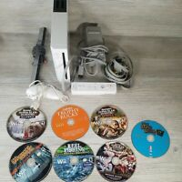 Nintendo Wii Console RVL-001 White Bundle with 1 controller and 7 games Tested