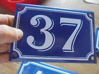 Ancienne Plaque en Tôle Emaillée Numéro d'Adresse de Rue N°37 sur Porte Pillier