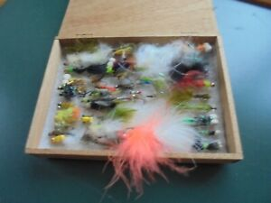 WILLEM 11 WOODEN BOX  ~ FULL OF VARIOUS FISHING FLIES