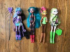 Monster High Dolls River Styxx and Batsy Claro, Isi Dawndancer, Gilda Goldstag