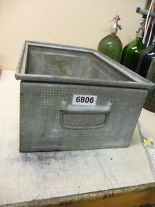 6806. Alte Metall Kiste Stapelkiste
