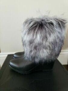 Sorel Park City Lux Short Wedge Waterproof Leather Boots Fur in Black $300, 9.5