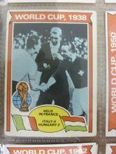 1978/1979 World Cup - Card No.339) 1938, Italy 4 Hungary 2 (slight creasing) - T