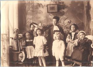 Enfants costumés Vintage silver print Tirage argentique  8x11  Circa 1900