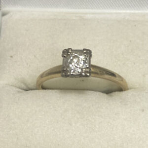 Vintage 14K Yellow Gold Round Diamond Solitaire Ring  Size 8 Cosmic