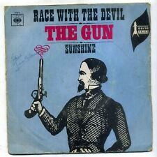 "THE GUN : 45 T  SIMPLE CBS 3764 "" race with the devil """