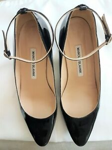 Manolo Blahnik size 38 black patent leather mary jane pumps heels shoes strap