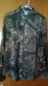 REALTREE Women's Long Sleeve Camo Shirt Pearl Snap Buttons Large NWT