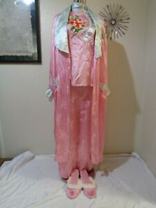 1950s ASIAN PINK SATIN FLORAL PRINT EMBROIDERED ROBE/PJ SET & MATCHING SLIPPERS