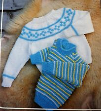 Baby Vintage Knitting Pattern 2 Styles Jumper/Sweater 46-61 cm DK & 4 Ply R1530