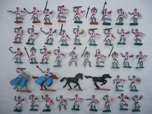 PLASTY 41 KREUZRITTER Steckfiguren überwiegend bewaffnet + 4 Pferde 41 CRUSADER