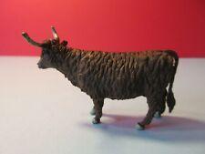 BRITAINS Plastic Farm Animals & Accessories: HIGHLAND CATTLE x1 COW